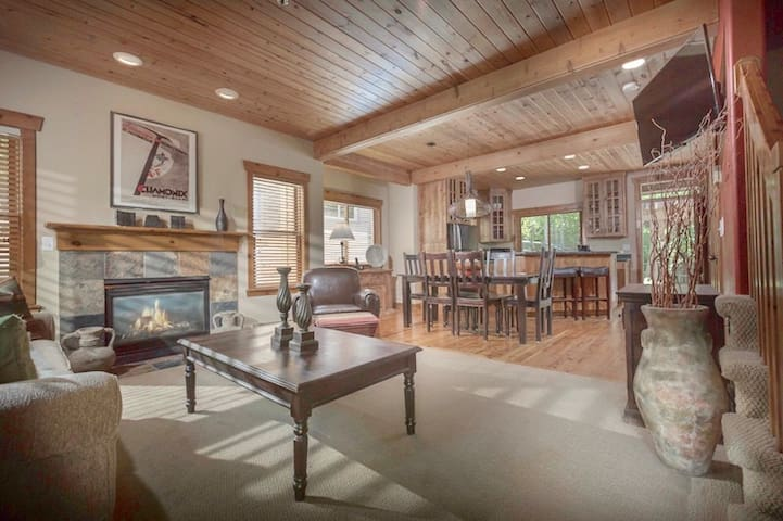A Cozy Park City Condo, close to the lifts and Historic Main Str