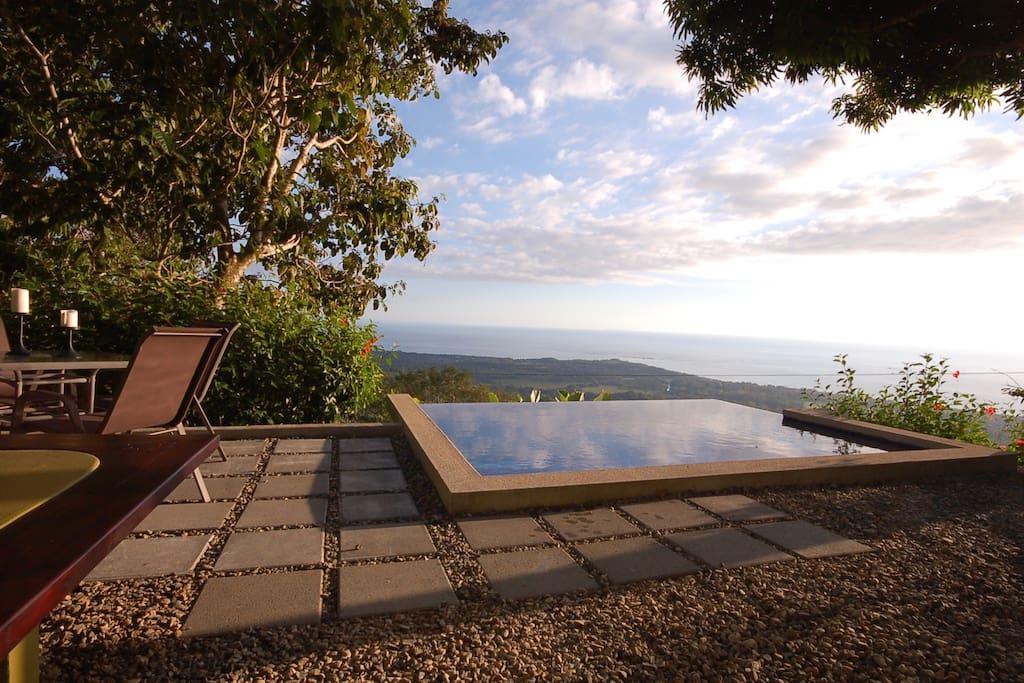 Casa Bambu Infinity Pool