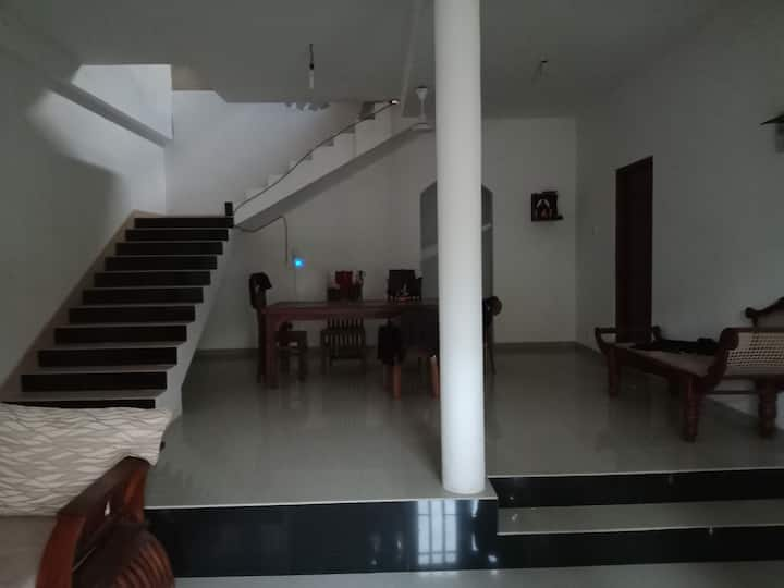 Newly furnished single storey apartment.