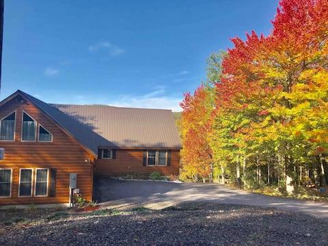 The Bristol Home: Beautiful Log Cabin