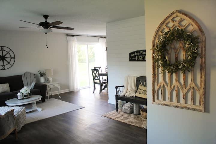 """Magnolia Farmhouse"" inspired 2-bedroom duplex"