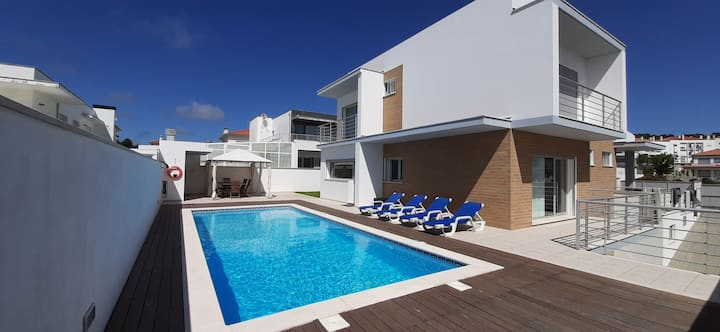 Nazare House4you  Villa with  Pool