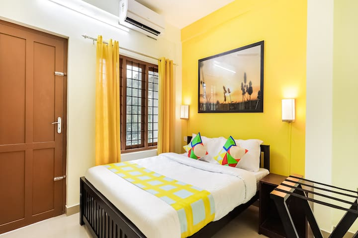 OYO 1 BR Classic Home In Edappally, Kochi