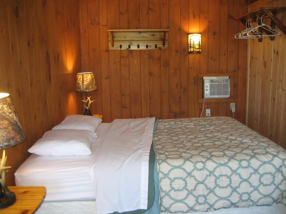 1 Queen Bed Lakeview Room Directly on our Private Beach - (2 Person Maximum Occupancy)