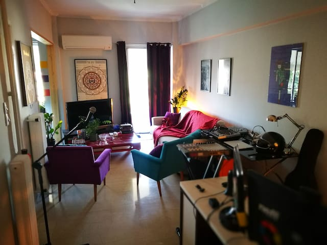 Artsy(ex-Studio) Apartment in Athens