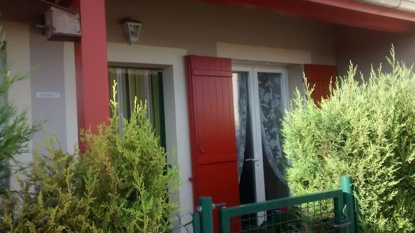 Appartement Rez de jardin Axe Annecy Aix les Bains