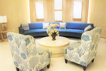 Lobby/Reception Area (Side)