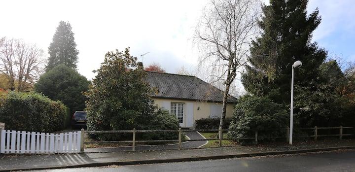 Bagnoles-de-l'Orne : maison calme avec jardin