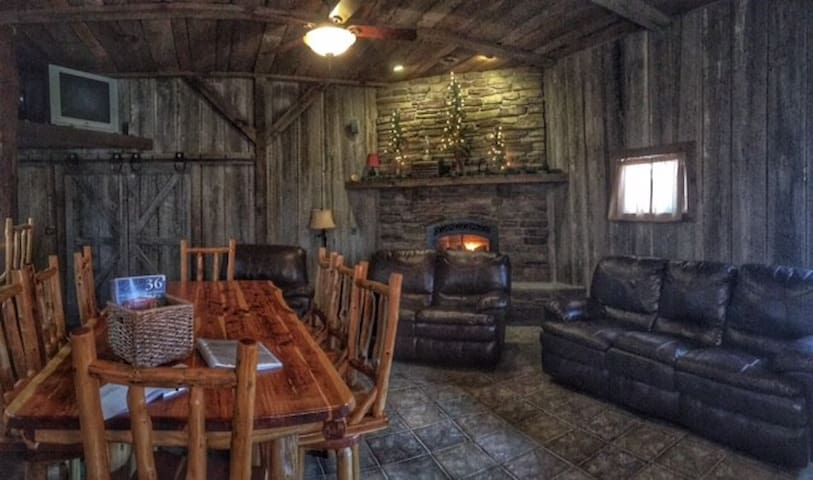 The Cabin at Woods Crossing