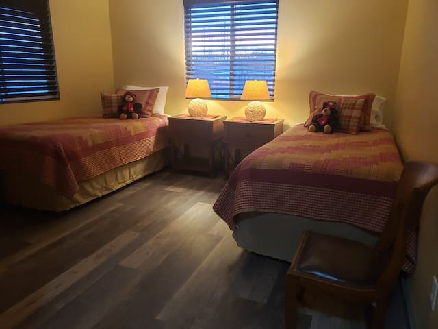 Sunlight Room @ Big Sky Retreat ~ Private Bedroom