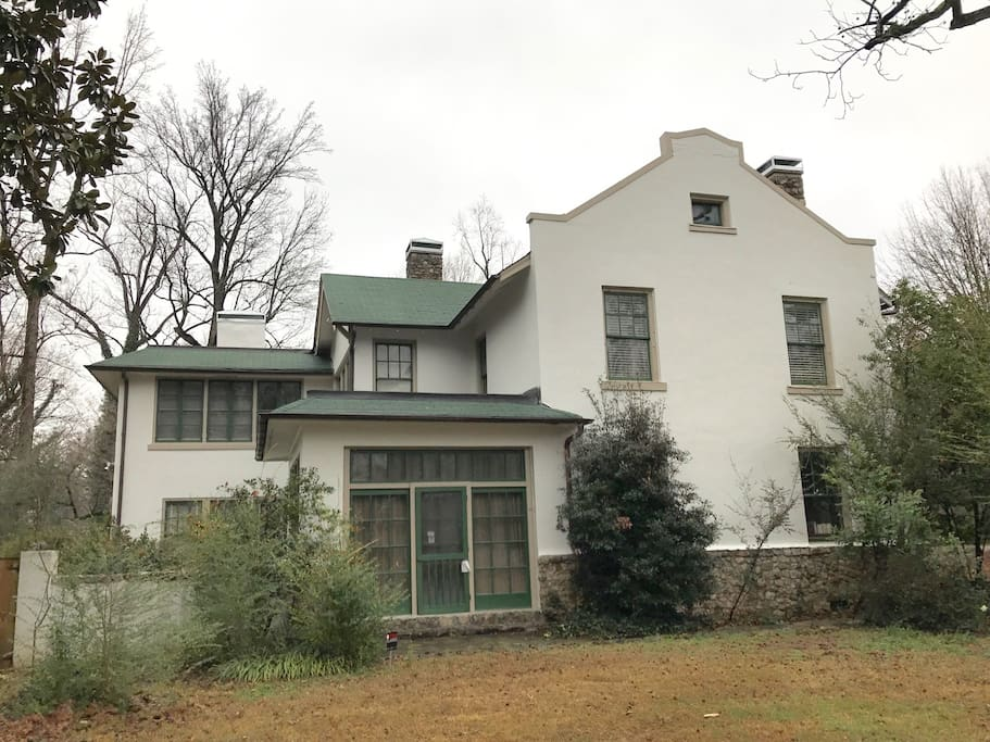This 1902 home is mentioned in some historic origins of Memphis architecture