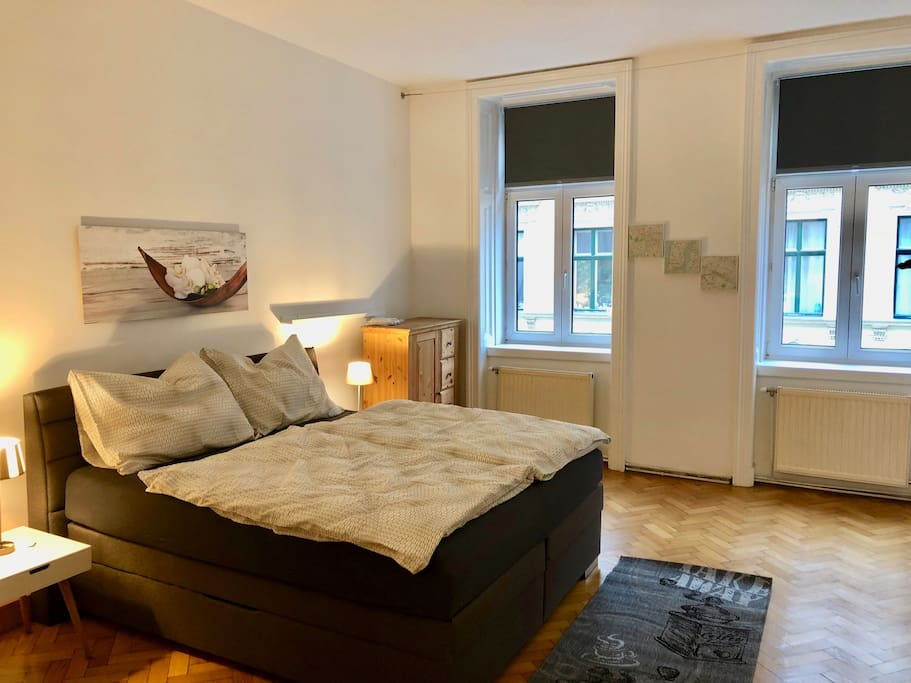 gorgeous viennese apartment 10 min to city center wohnungen zur miete in wien wien sterreich. Black Bedroom Furniture Sets. Home Design Ideas