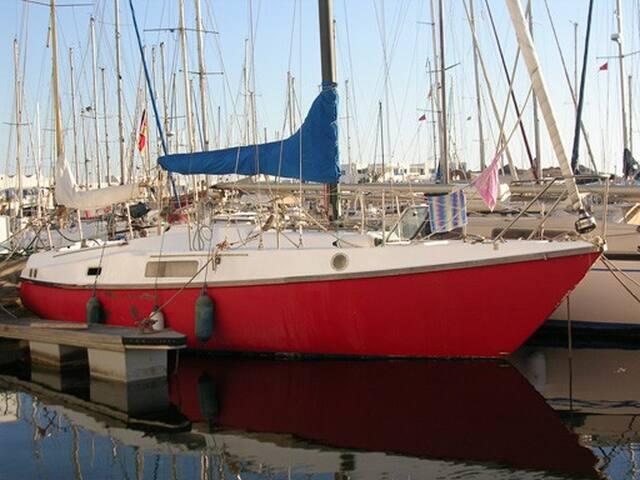 31 ft Sailboat in Thasos Harbor