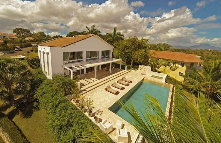 VillaTracey! Gorgeous Sosua 4BR 5BA Oceanview Pool