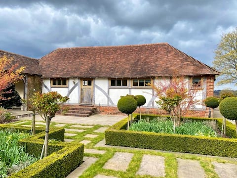 Charming cottage, 5 minute walk from Bodiam Castle