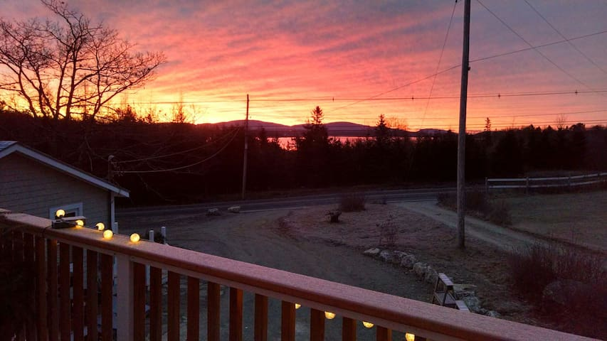 Acadia sunrise deck apartment - Trenton