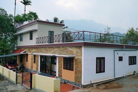 OYO - Cosy 1BHK Villa in Anachal, Munnar