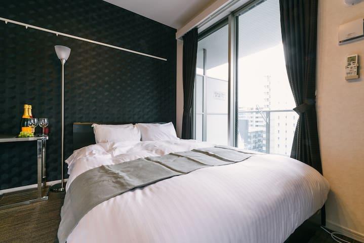 RH2-02)新築デザイナーホテル★4人部屋★博多最高の立地★Wifi★