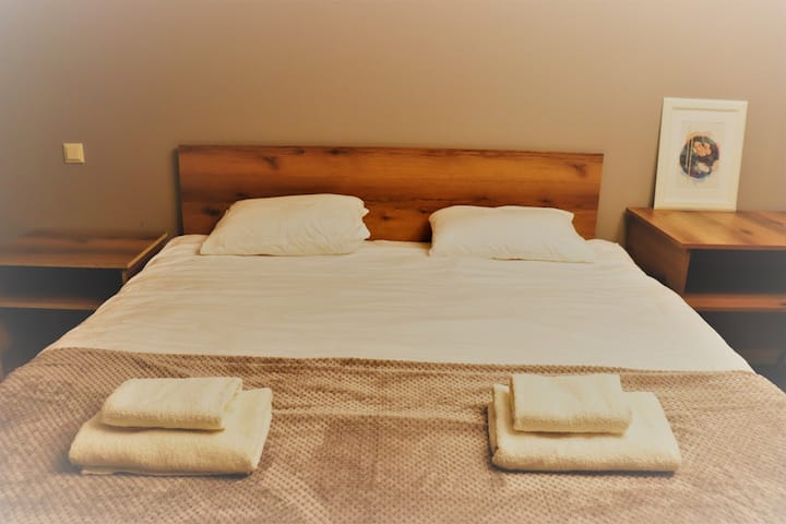 airport comfy guest house4