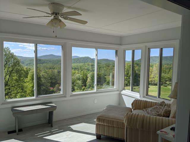 Amazing Mountain Home in Saluda, NC