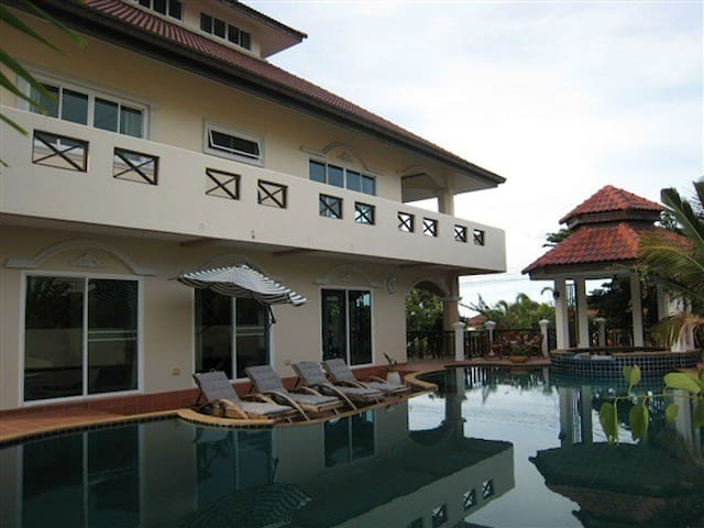 6 bedroom pool villa Hua Hin  view sea and city - Tambon Nong Kae - House