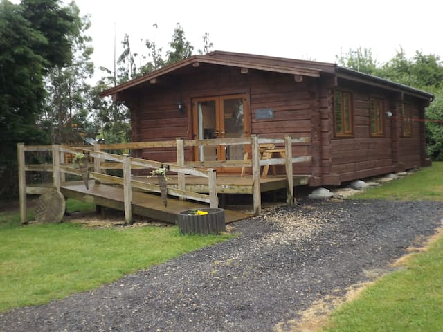Foxglove Lodge at Avonvale Holiday Lodges