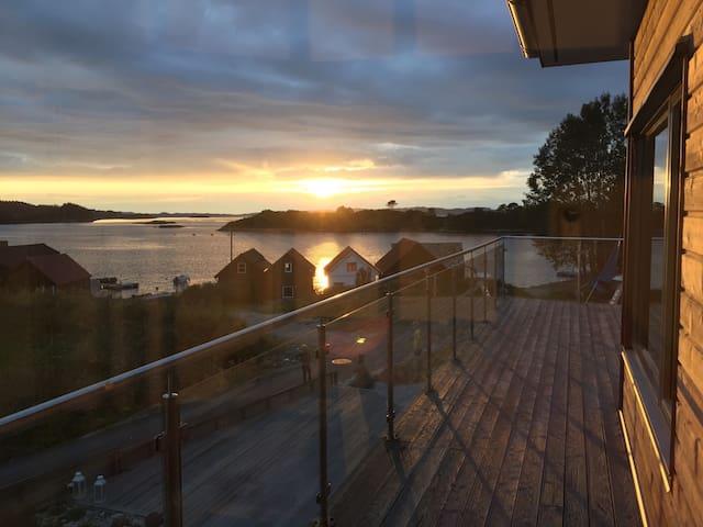 Leilighet i nytt hus 70 m fra sjø - Sveio - Flat