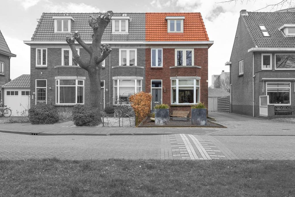 Large '30-Style, typical Dutch House
