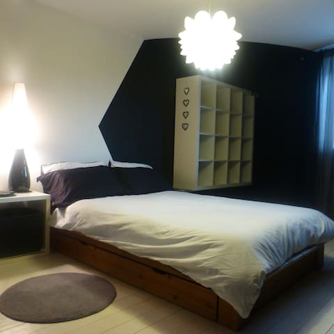 Funky Double Bedroom - 15 mins from city centre. - แมนเชสเตอร์
