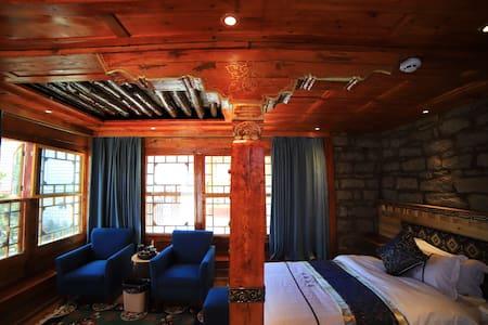 诺顿民宿 豪华双人标间 西藏 拉萨 大昭寺 布达拉宫藏家小院 原汁原味的藏式民居先查询有无空房206