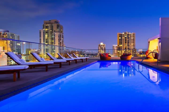 New &Modern  2bedroom Apt in Downton San Diego