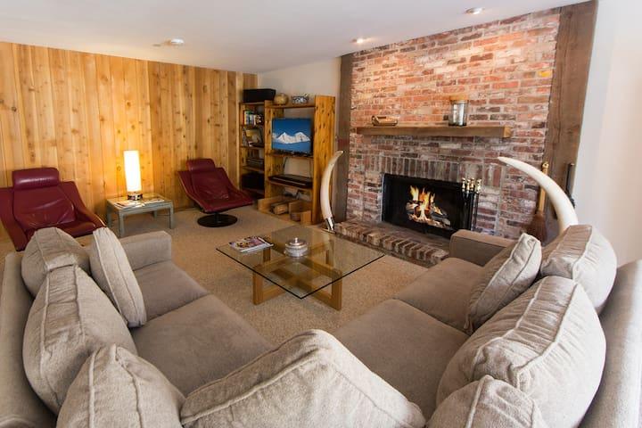 3-bed 3-bath Condo ski-in/ski-out to Gold Peak - Vail - Condominium
