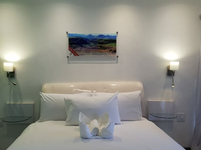 Joy Guesthouse-Seapoint, We would love to host you
