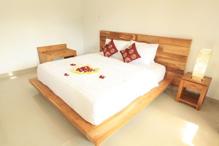 Green Papaya House Ubud Kemenuh Sukawati Gianyar - Sukawati - Bed & Breakfast