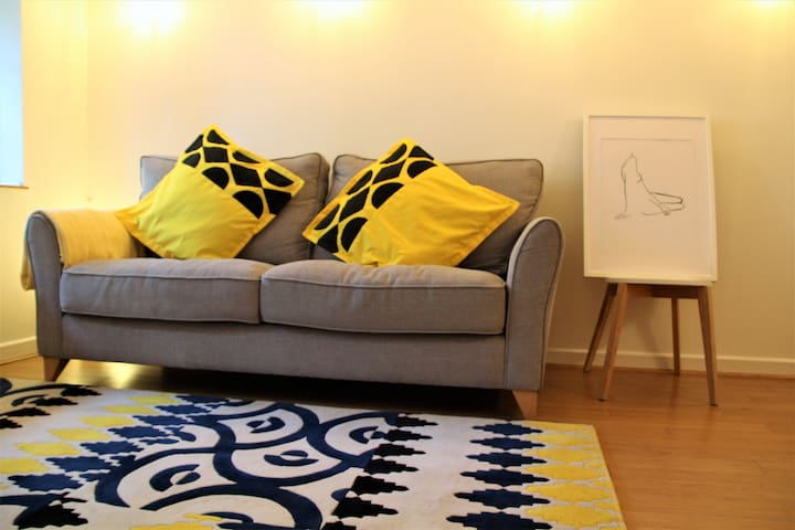 Cosy whole apartment in vibrant Chorlton