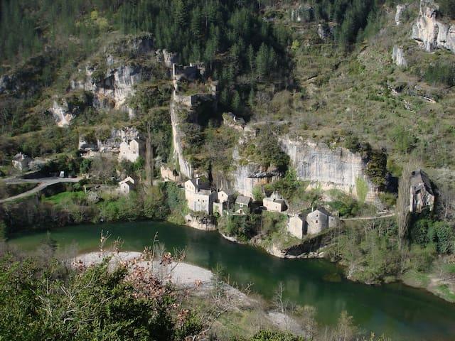 Pittoresk huisje in Castelbouc