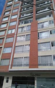 Apartamento acogedor, cómodo y bien ubicado - Pasto - Leilighet