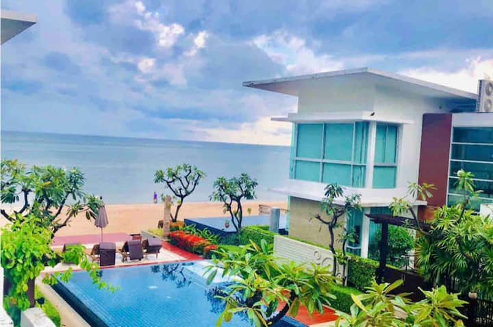 Beachfront entire 3 Beds House with Pool
