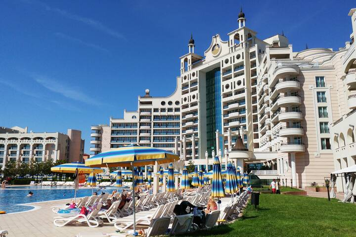 Frontline Black Sea Luxury Apartment