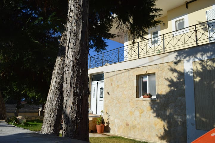 ΑΝΕΤΗ ΠΑΡΑΛΙΑΚΗ ΜΕΖΟΝΕΤΑ  ELENA - Argostolion - Casa