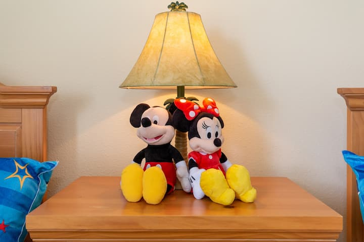 Fall in love with Mickey and Minnie's Manor!