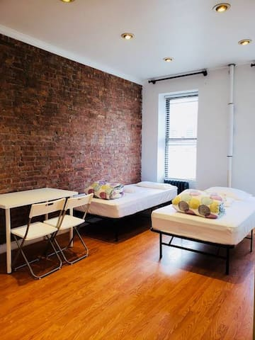 Private 2C Room in 4BR/2BA APT in Hell's Kitchen