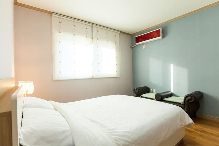 자쿠지가 있는 부부 침실입니다.