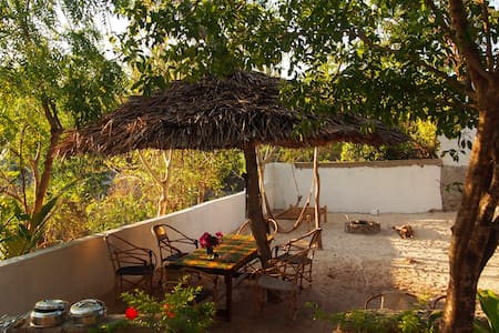 Caveman Lodge | room & gardenview for 2 (samaki) - Kizimkazi Mtendeni