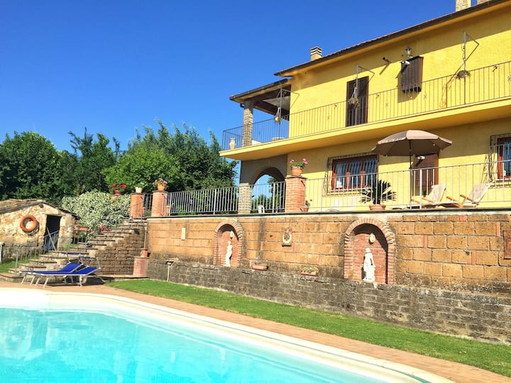 Casa Glenister Large Villa & pool near Rome