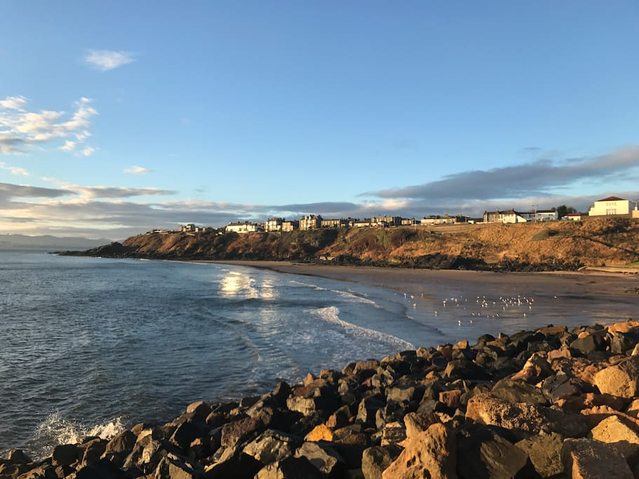 Fife Coastal Trail walks offer great opportunity for artists and photographers. Kinghorn is part of the 117 mile coastal walkway.