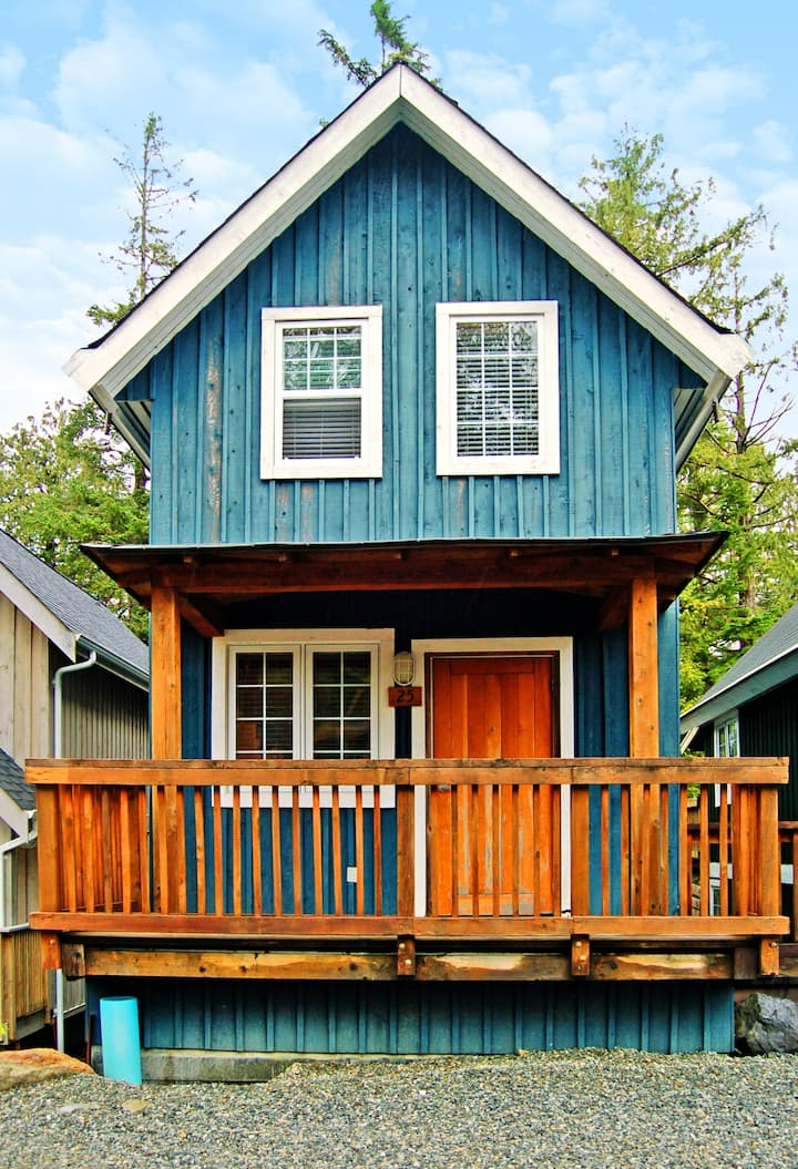 Reef Point Cottages - 2 Bedroom B (Hot tub!)