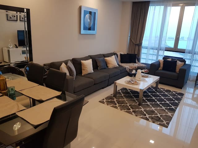 Juffair Luxury 2BR  (gym, jacozi, swimming pool)
