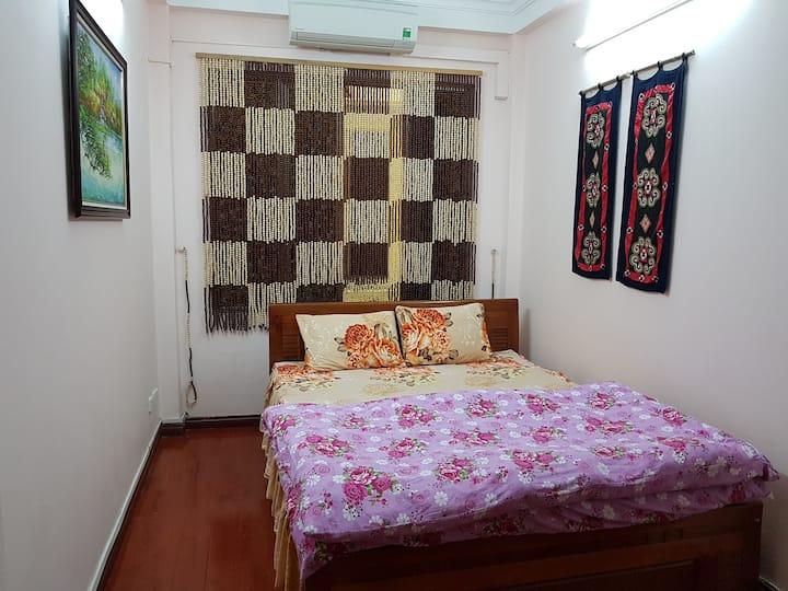 Budget Private room with 5 mins to Hoan Kiem Lake.
