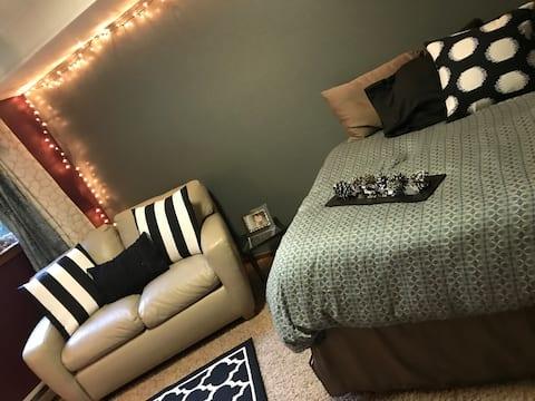 Bedroom mini studio 1:  Cozy bedroom